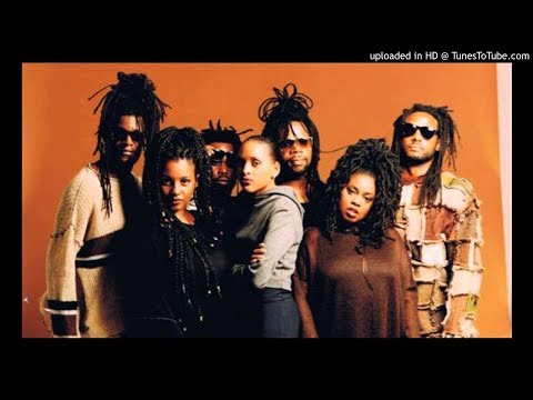 Soul II Soul - Jazzie's Groove &  Keep On Movin' 🎧