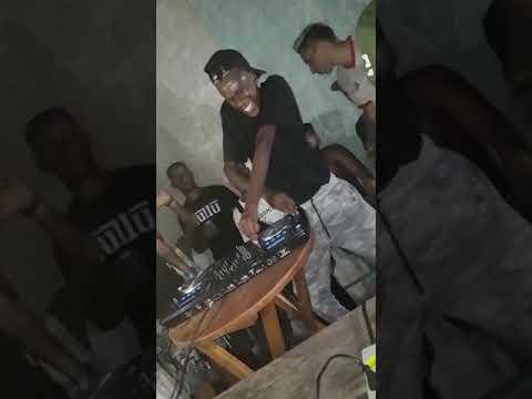 DJ ZULLU QUANDO TOCA QUBRA TUDO ((DJ ZULU))