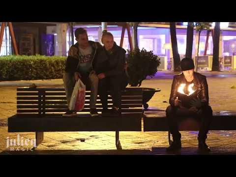 Уличная магия. Пранк с горящей книгой.