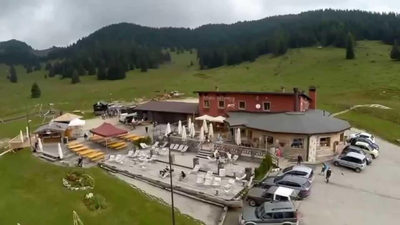 Asiago cima larici rifugio val formica youtube for Baite ad asiago