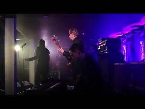 Leikari Live