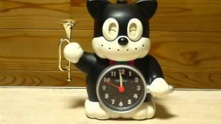 24年ほど前に購入したのらくろクン目覚まし時計。電池を入れると未だに動く。