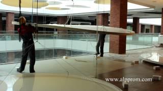 Высотные работы под стеклянным куполом(Высотные работы под стеклянным куполом. Высотники монтируют декорации. Подробнее на странице сайта http://alppro..., 2014-12-09T07:47:56.000Z)