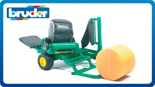 Bruder Toys Bale Wrapper w. Wrapped and Un-Wrapped Bales #02122