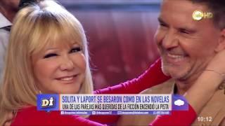 El beso de Solita y Osvaldo Laport