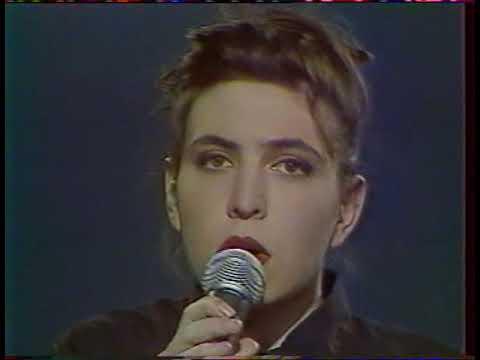 Jil Caplan  ( L'aquoiboniste  / Live 1990 )