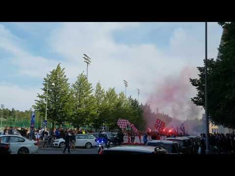 HJK - HIFK (Helsinki Derby) HIFK Ultras March to Stadium (4) 31.07.2017