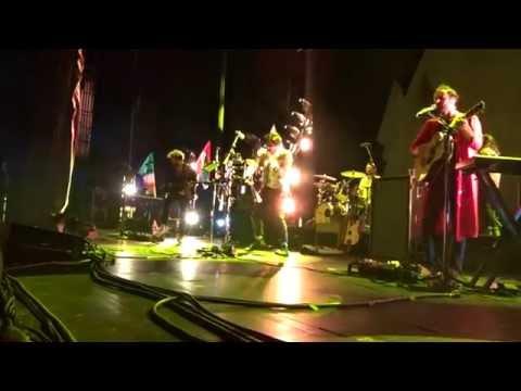 Young The Giant – Amerika – Radio City Music Hall – 09-17-2016