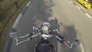 Девушка на мотоцикле против мусора / Видео