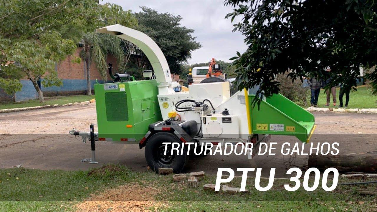 Triturador de galhos PTU 300 triturando galhadas de poda urbana