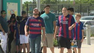 'El Clasico' Fans Get A Taste Ahead Of The Big Game thumbnail