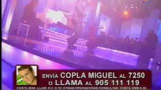 Miguel Ángel Palma canta