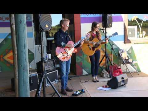 Karen Jonas and Tim Bray at Lazy Days Winery