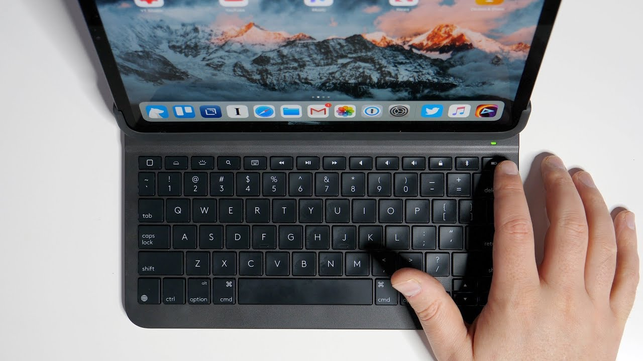 The BEST iPad Pro Keyboard? - Logitech Slim Folio Pro Review