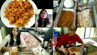 INDIAN MOM MORNING ROUTINE| INDIAN BREAKFAST + LUNCH ROUTINE 2019| INDIAN MOM DAILY KITCHEN ROUTINE