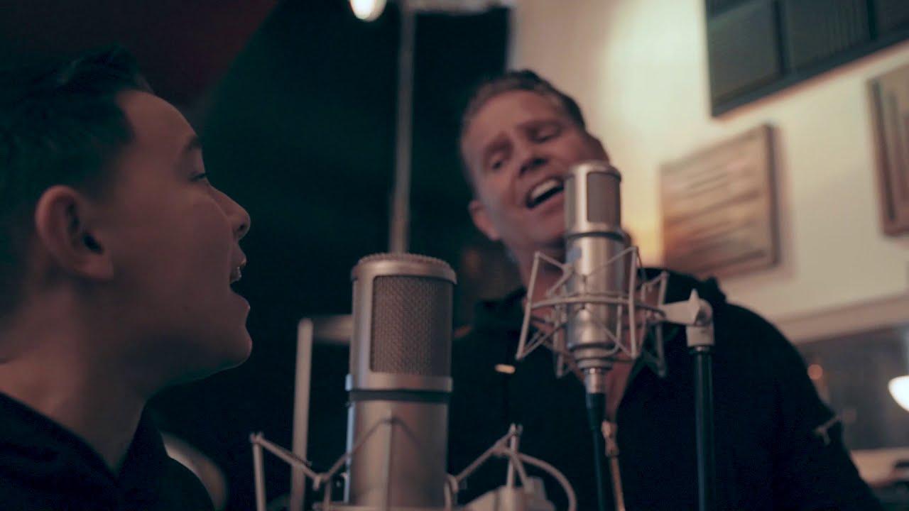 VIDEOCLIP: Danny de Munk & Silver Metz - Geen Kerstmis