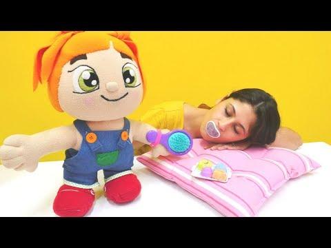 #EvcilikOyunları oyna. 🍼👶🥄 Ayşe Lili'nin bebeği oluyor. Eğlenceli #KızOyunları izle