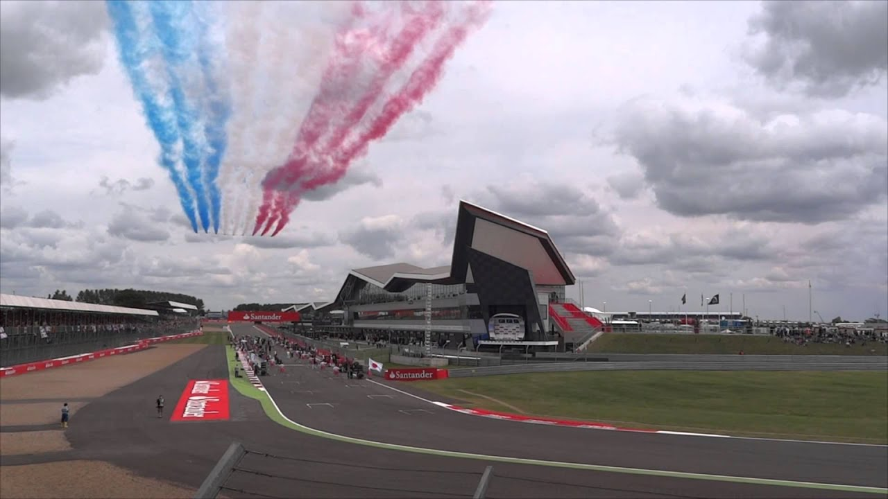 Red Arrows fly over the Silverstone Pit Straight - British GP 2014 ...