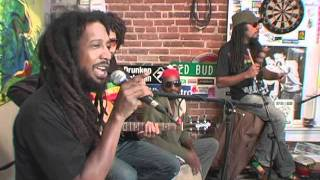 "ROOTZ UNDERGROUND ""Soul Shakedown Party"" - acoustic @ the MoBoogie Loft"