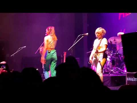 The Regrettes live at August Hall