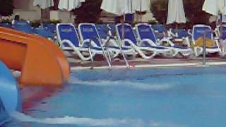 video tobbogan piscine de l'hotel....MOV