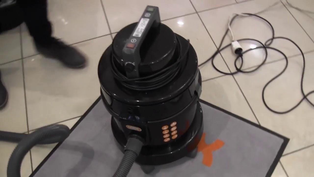 aspirateur eau et poussi res vax 7151 avec un filtre eau. Black Bedroom Furniture Sets. Home Design Ideas