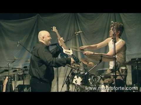 Mezzoforte, Bass / Drum solo - Four Corners