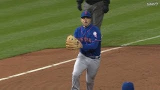 NYM@PHI: Wright scoops grounder and fires to first