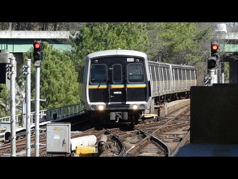 MARTA Transit: 1980/85 FB/Hitachi CQ310/CQ311 Blue Line at Hamilton E. Homes Station