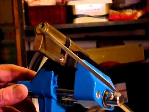 Lock Picking Tutorial On Using The Right TENSION And WRENCH Correctly www.uklocksport.co.uk
