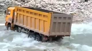 Extreme Machines, Big dump truck 8X8 runs river