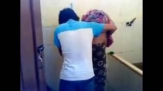 Video Lucu Prank di kamar mandi