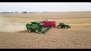 Video John Deere Demo Tour kombajn S780i - GR Konrad Pohl download MP3, 3GP, MP4, WEBM, AVI, FLV November 2017