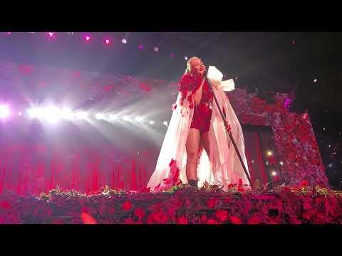 Gwen Stefani - Don't Speak (November 2, 2019) Zappos Theater, Planet Hollywood, Las Vegas