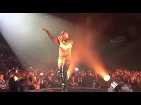 Maître Gims brisé  live concert macon 2016