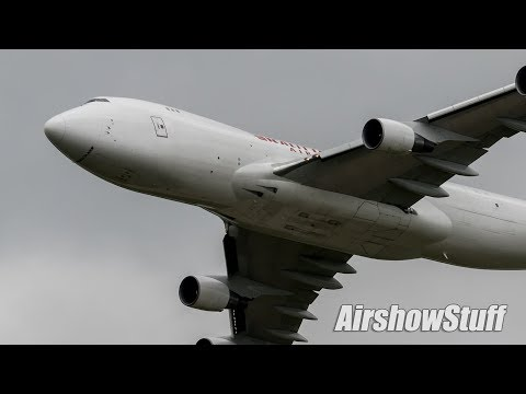 Kalitta Air 747-400F LOW Flyby - Thunder Over Michigan 2018