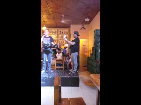 Papa froi singer 2