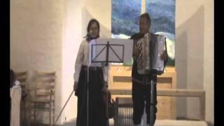 """""""Tusen bitar""""   Anne Linnet (svensk tekst: Bjørn Afzelius) Gia & Filip Gade Skei Fjellkirke"""
