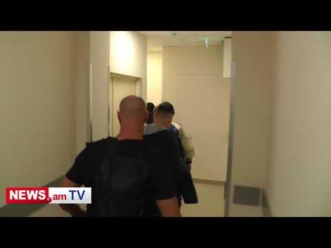 Elton John arrives to hotel in Yerevan