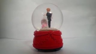 Cute Loving Couple Musical Globe Showpiece Dancing Couple Globe
