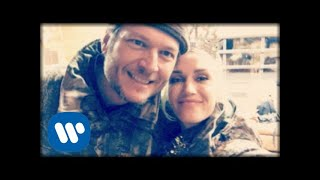 Blake Shelton - Happy Anywhere (feat. Gwen Stefani) (Official Music Video)