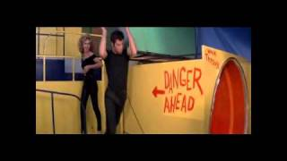 Grease-Olivia Newton John e Jonh Travolta-The one that i want.wmv