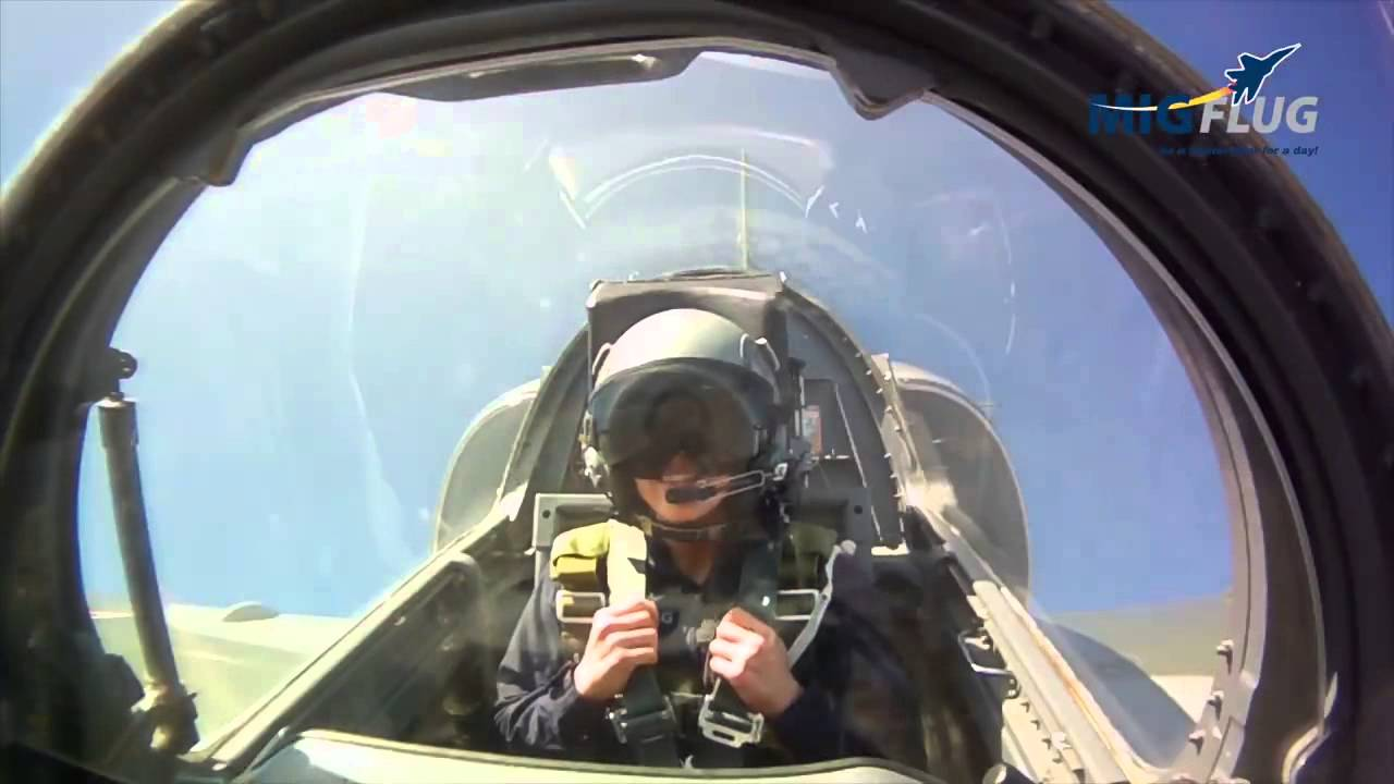 Pauline Nordin flying a jet with MiGFlug
