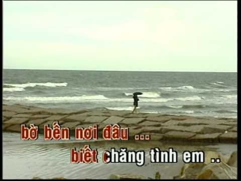 Vietnamese Karaoke Songs  Mua Tren Bien Vang   Quynh Huong