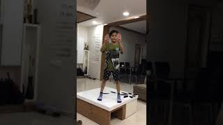 How to do the floss dance (tutorial): by Vihaan Gotecha