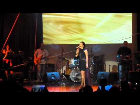 Kyla - Come A Little Bit Closer (Live @ Teatrino)