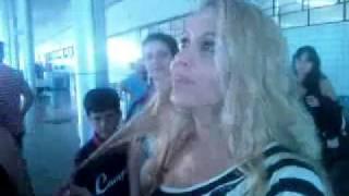 JOELMA NO AEROPORTO DE GOIANIA BRINCANDO E MANDANDO BJS.3gp