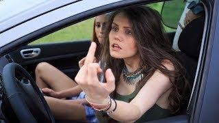 Подборка приколов про авто, ментов и девушек  Авто приколы с машинами и на дорогах