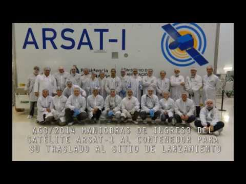 Timelapse del ingreso del ARSAT-1 al contenedor