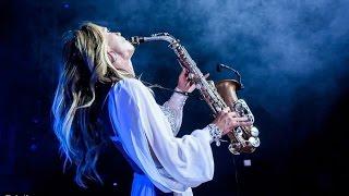 Saxofonista chica para eventos Ibiza Madrid Barcelona Marbella Mallorca